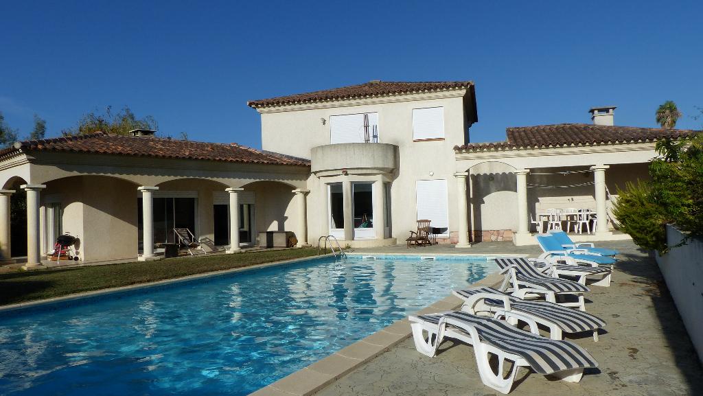 Porticcio villa d'architecte de type T5 164m² avec garage et piscine
