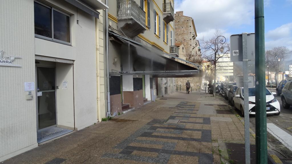 Ajaccio, Murs commerciaux de 70m² bas du cours Napoléon