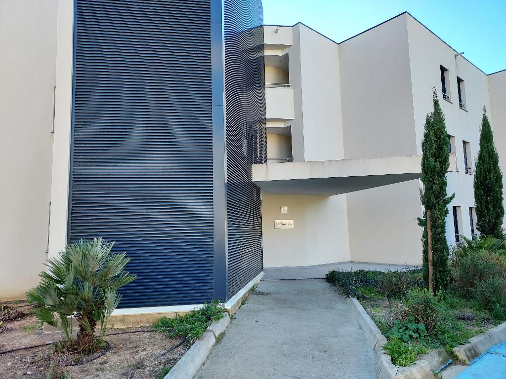 Plein coeur Porticcio charmant  T1 récent 33m² dans résidence fermée