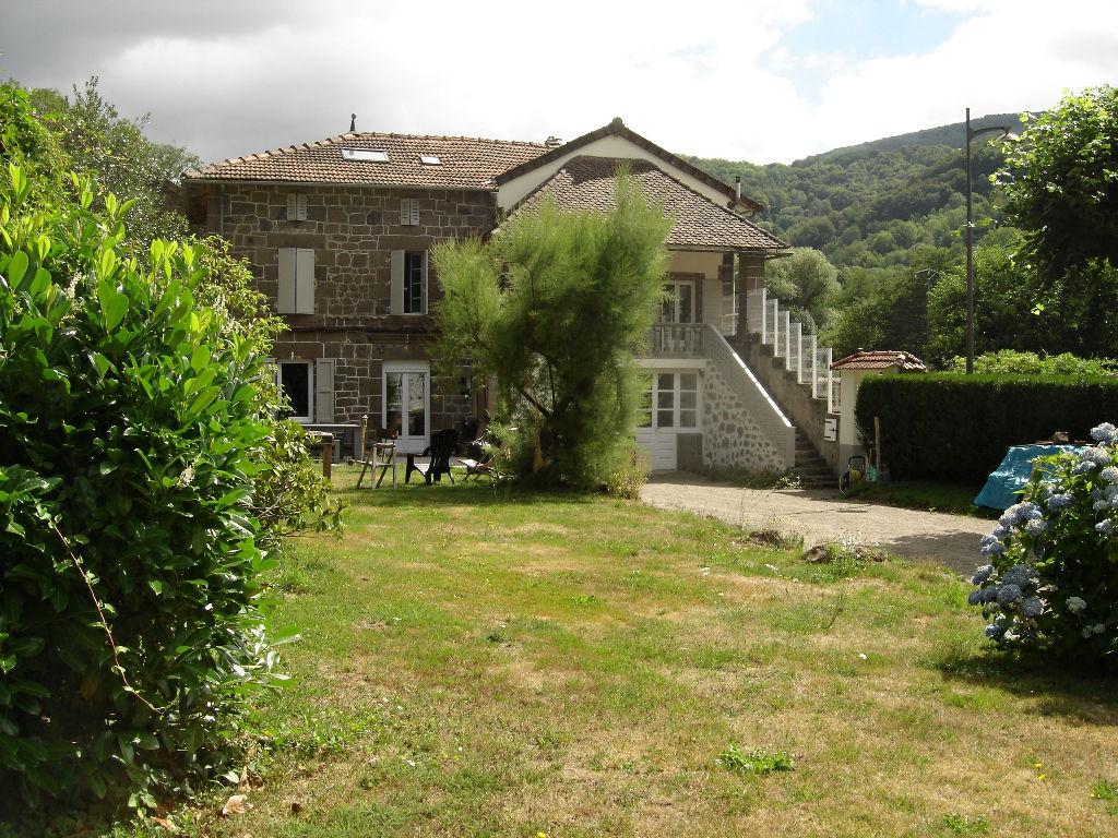 Maison Aurillac 7 pièce(s) 210 m2