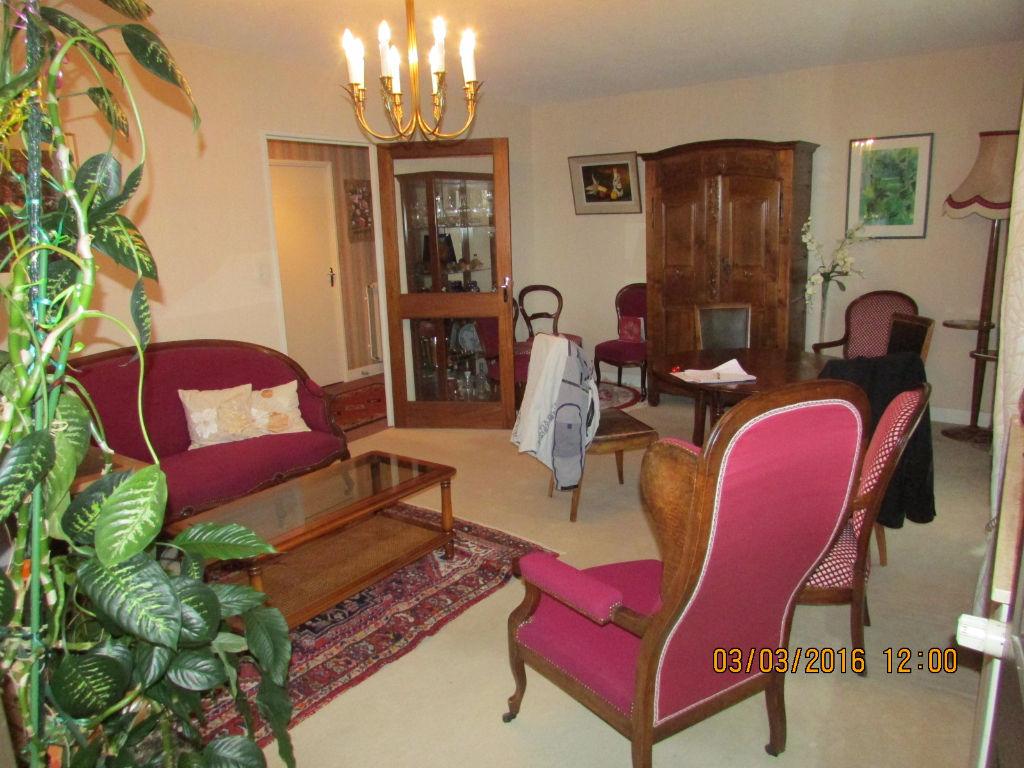 Appartement Aurillac 4 pièce(s) loggia, garage, ascenseur, chauf ind