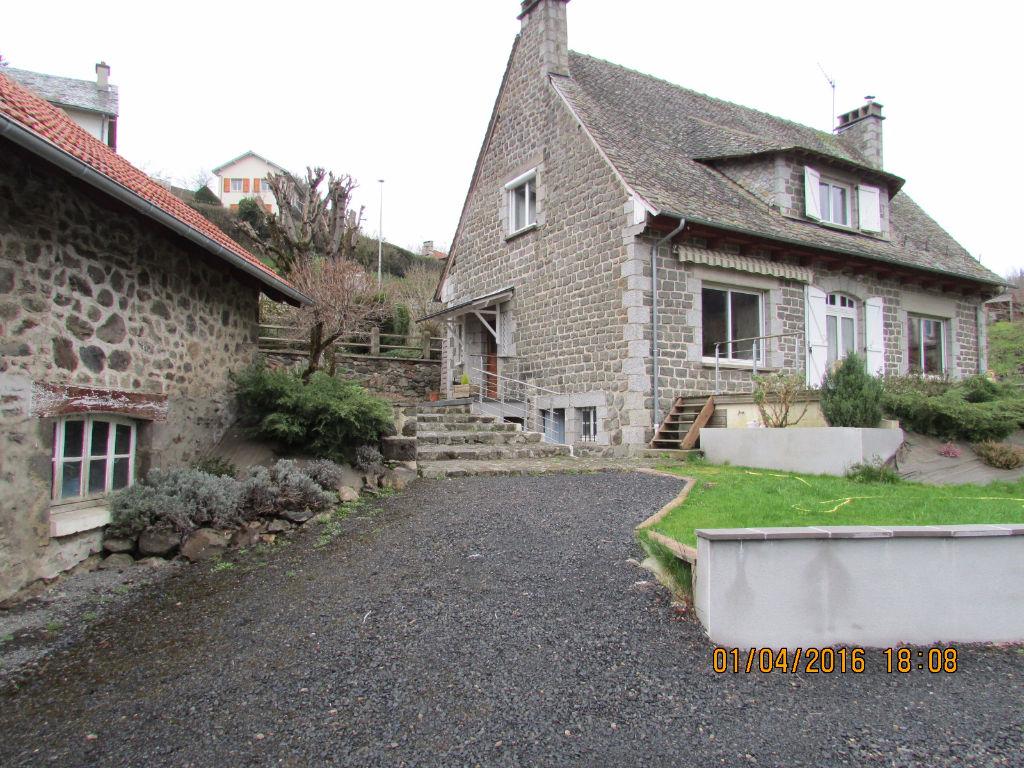 Maison Aurillac 6 pièce(s) 160 m2 annexe et sous sol total