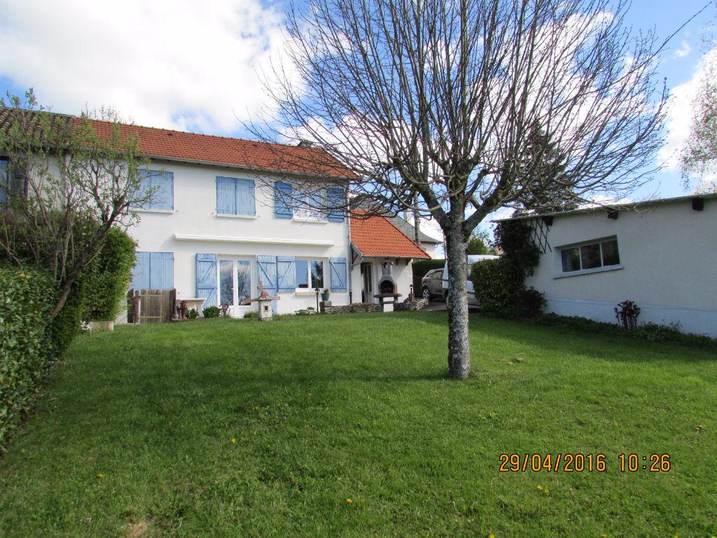 Maison en pierre Aurillac 5 pièce(s) 112 m2