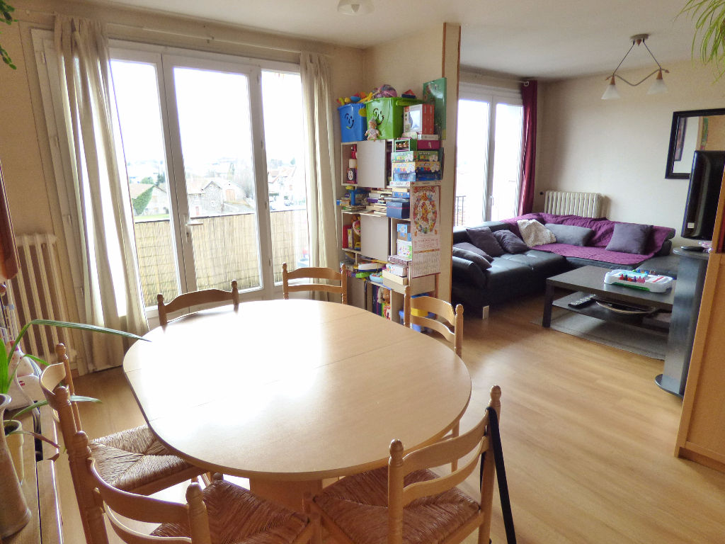 Appartement Aurillac 3 pièce(s) 75 m2 balcon et garage
