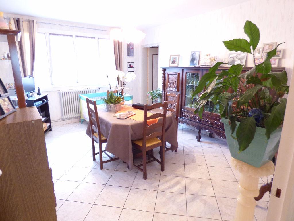 Appartement 15000 4 pièce(s) 83 m2 chauff indiv garage