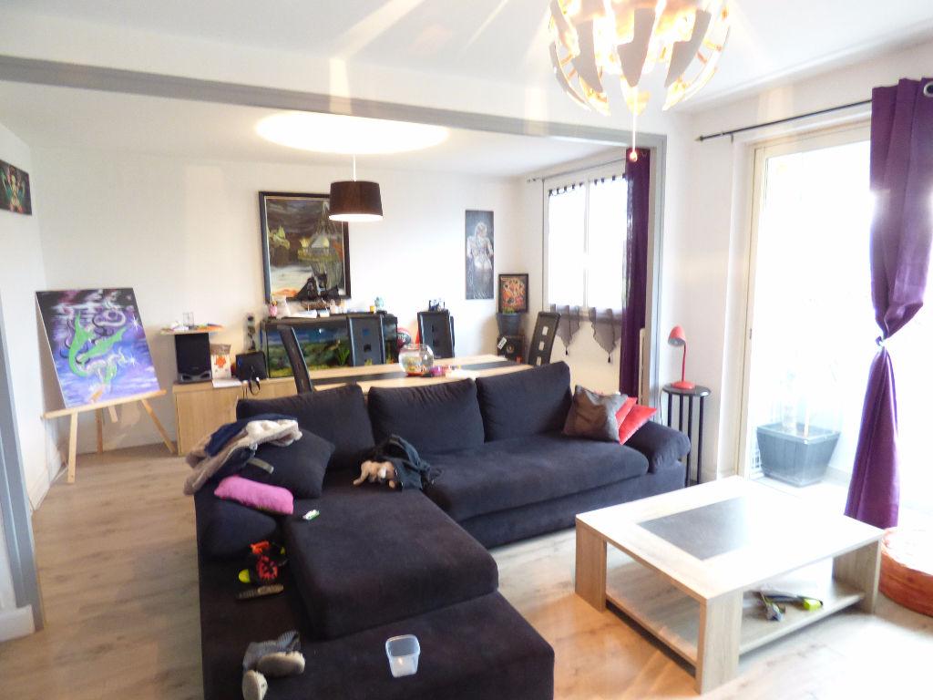 Appartement Aurillac 3 pièce(s) balcons garage