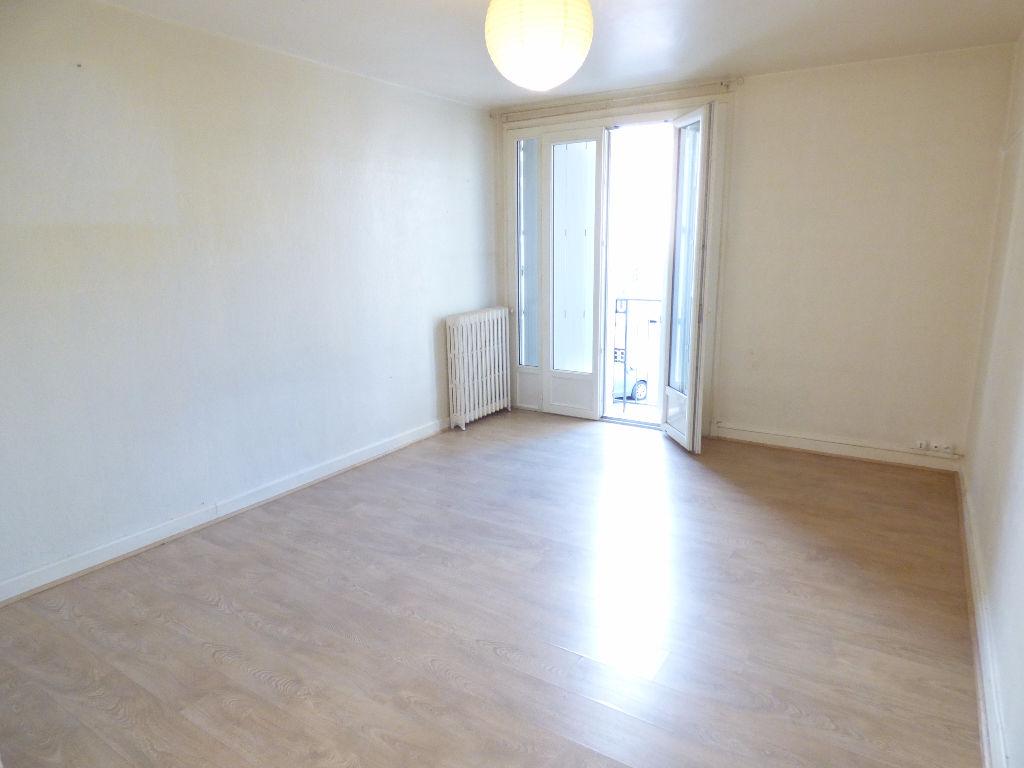 Appartement Aurillac 4 pièce(s) 70 m2 ascenseur