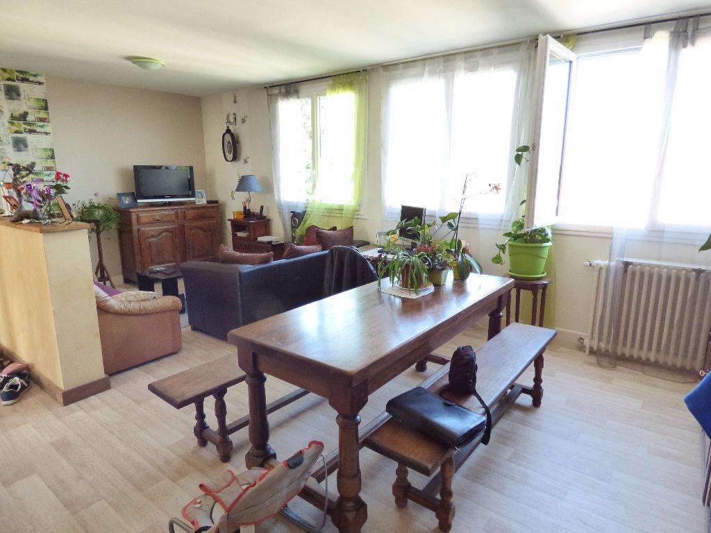 Appartement Aurillac 3 pièce(s) 65 m2 GARAGE