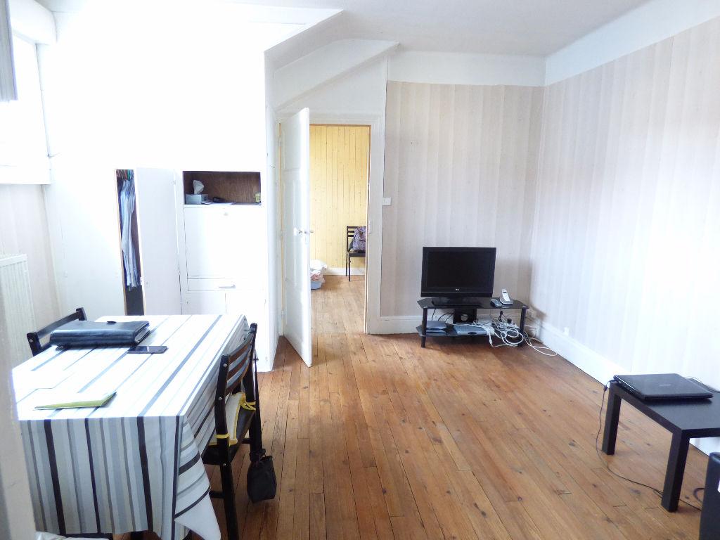Appartement Aurillac 3 pièce(s) 54 m2 garage chauffage individ.