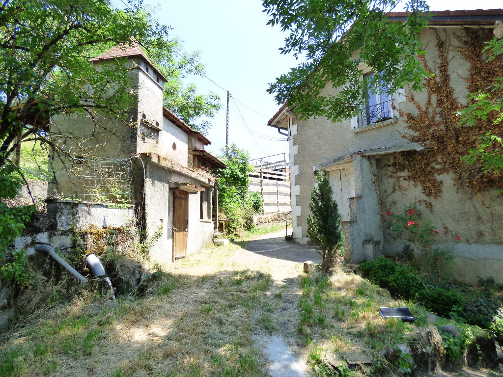 Appartement Aurillac 3 pièce(s) 93 m2  avec jardin et 2 parkings