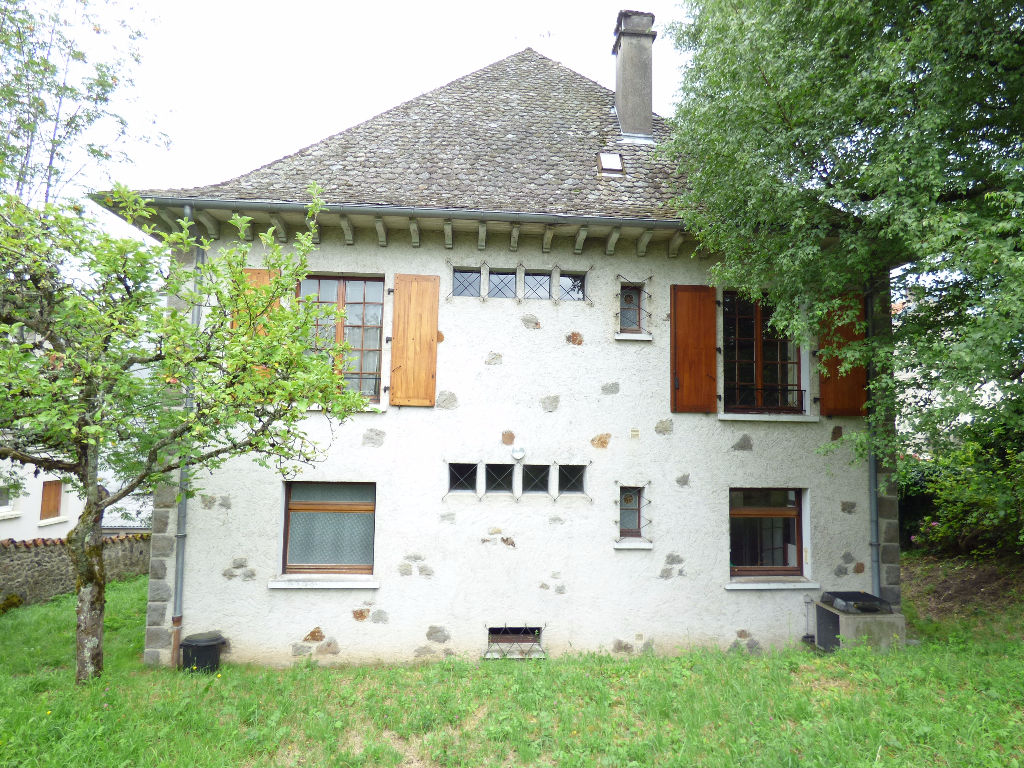 Maison Aurillac GARE 7 pièce(s) 250 m2 EN PIERRE