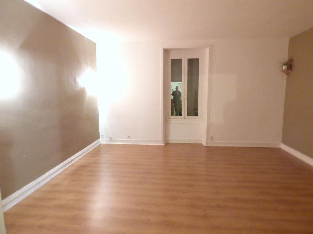 Appartement Aurillac 3 pièce(s) 83 m2 carmes garage chauf ind