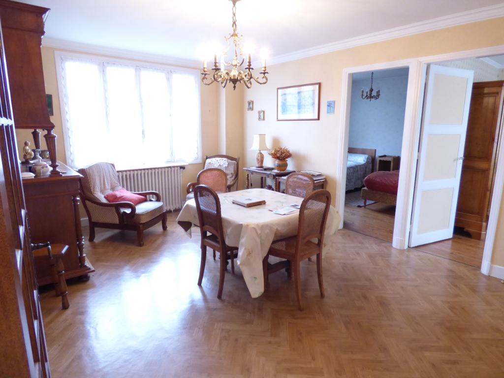 Maison Aurillac 5 pièce(s) 107 m2