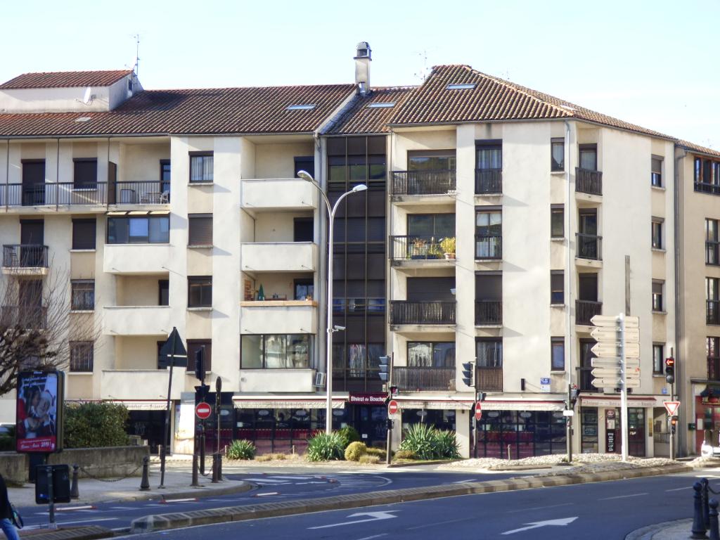 Appartement Aurillac 2 pièce(s) 50 m2 ASCENSEUR