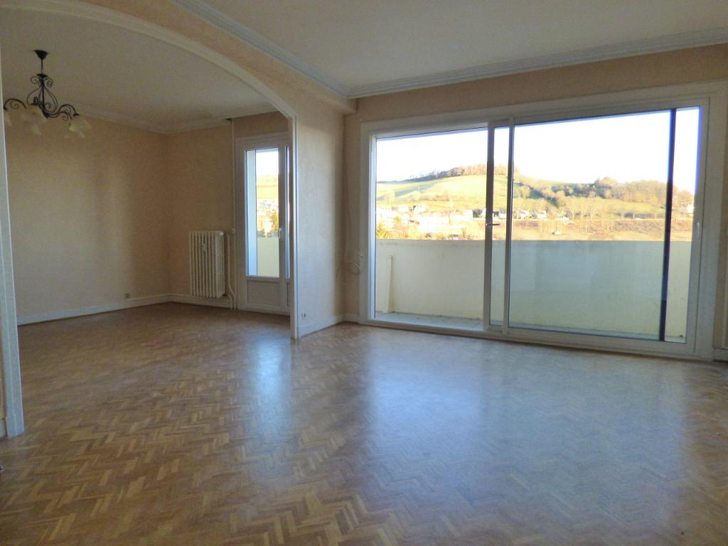 Appartement  3 pièce(s) 77 m2 ASCENSEUR BALCON GARAGE