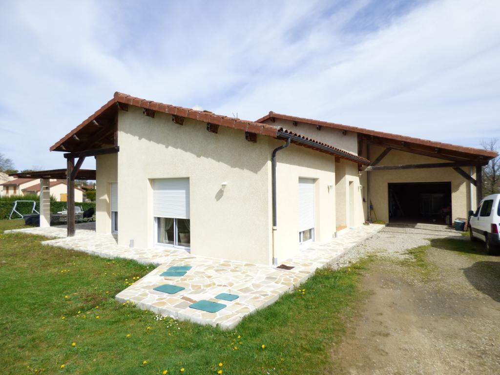 Maison Aurillac 5 pièce(s) 130 m2 PLAIN PIED