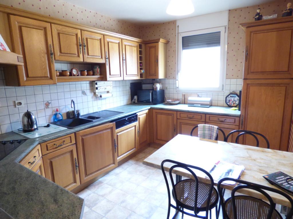 Appartement Aurillac 5 pièce(s) 116 m2 ASCENSEUR GARAGE