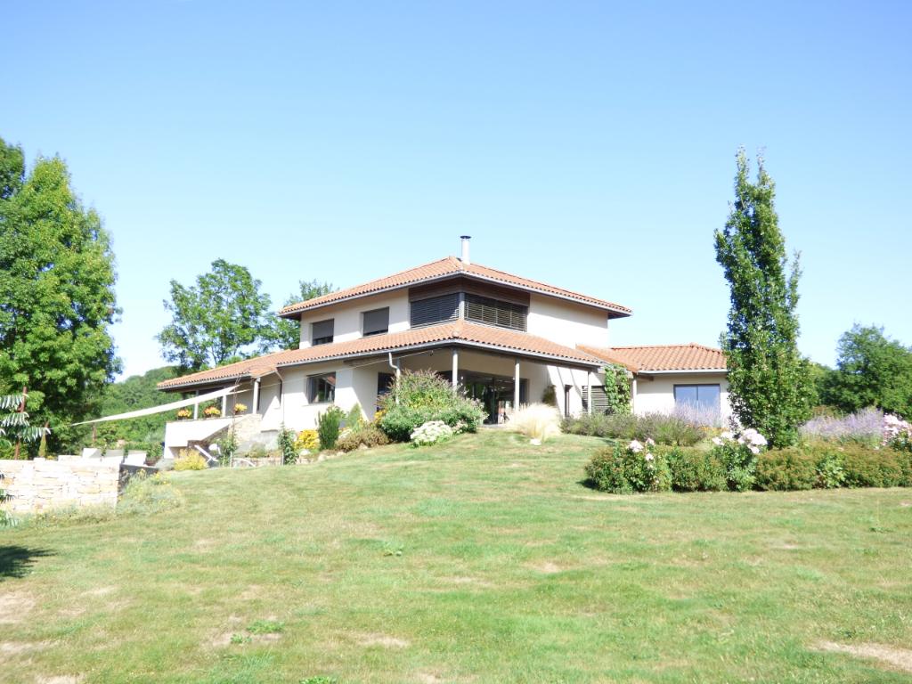 Maison Aurillac 6 pièce(s) 200 m2 16000 M2 de terrain