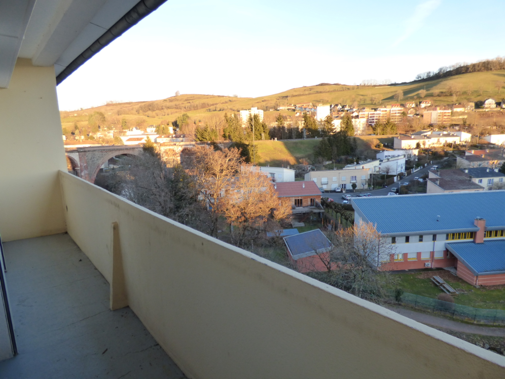 Appartement Aurillac 3 pièce(s) 83 m2 GRAND BALCON GARAGE