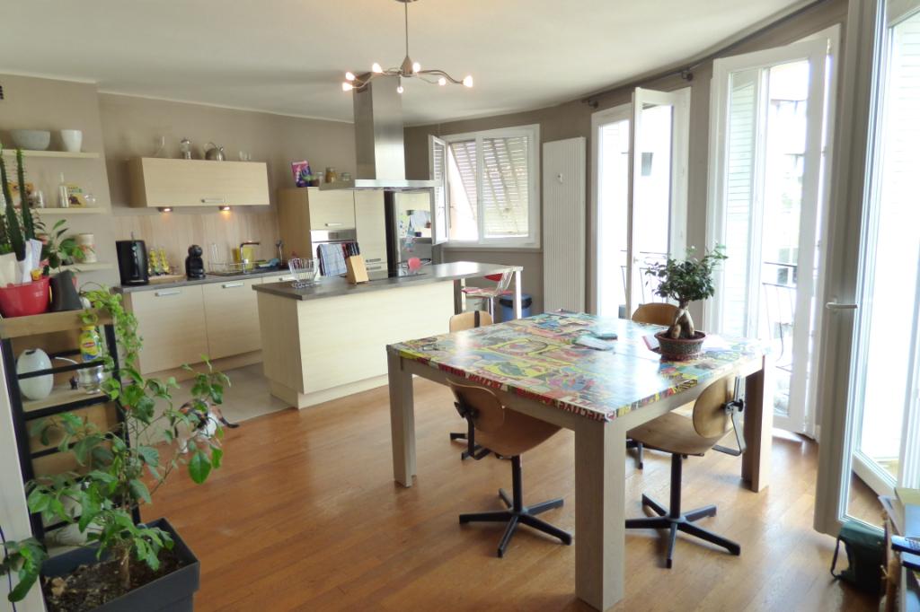 Appartement Aurillac 3 pièce(s) 79 m2
