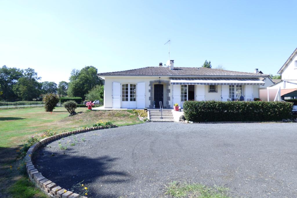 Maison Aurillac 4 pièce(s) 102 m2 PLAIN PIED