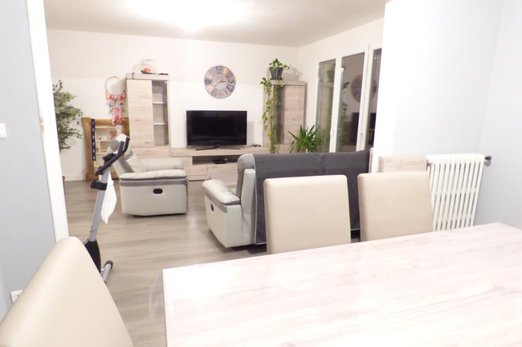 Appartement Aurillac 3 pièce(s) 77 m2  3 Balcons