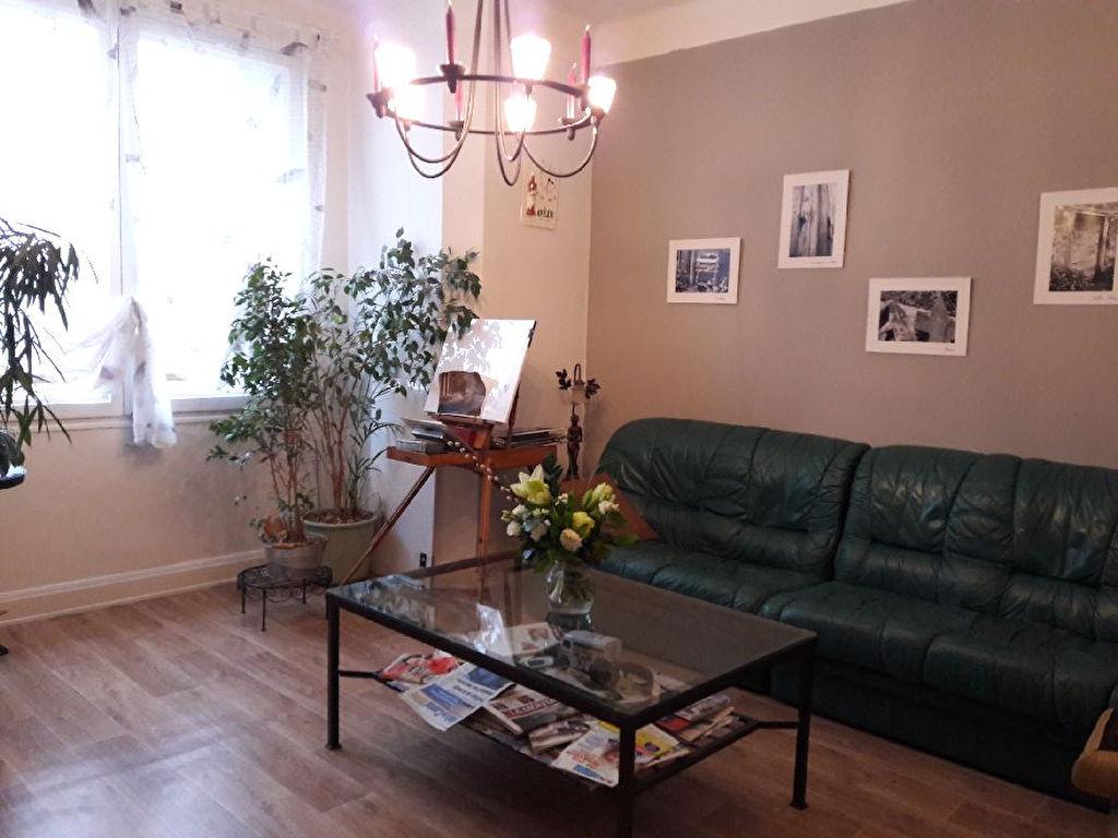 Appartement Aurillac 3 pièce(s) 69 m2 balcon chauff individuel