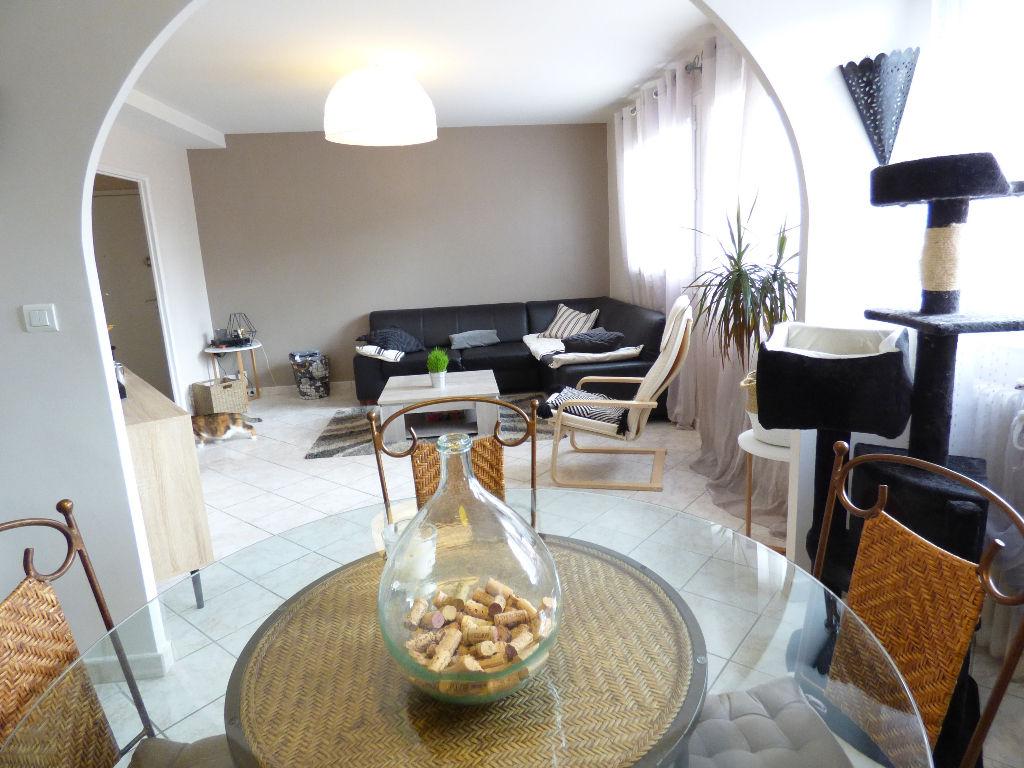 Appartement Aurillac tres beau 3 pièce(s) 80 m2. parking