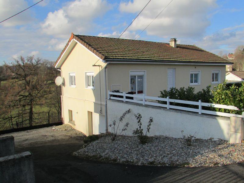 Maison Aurillac 5 pièce(s) 93 m2 plain pied sur sous sol total