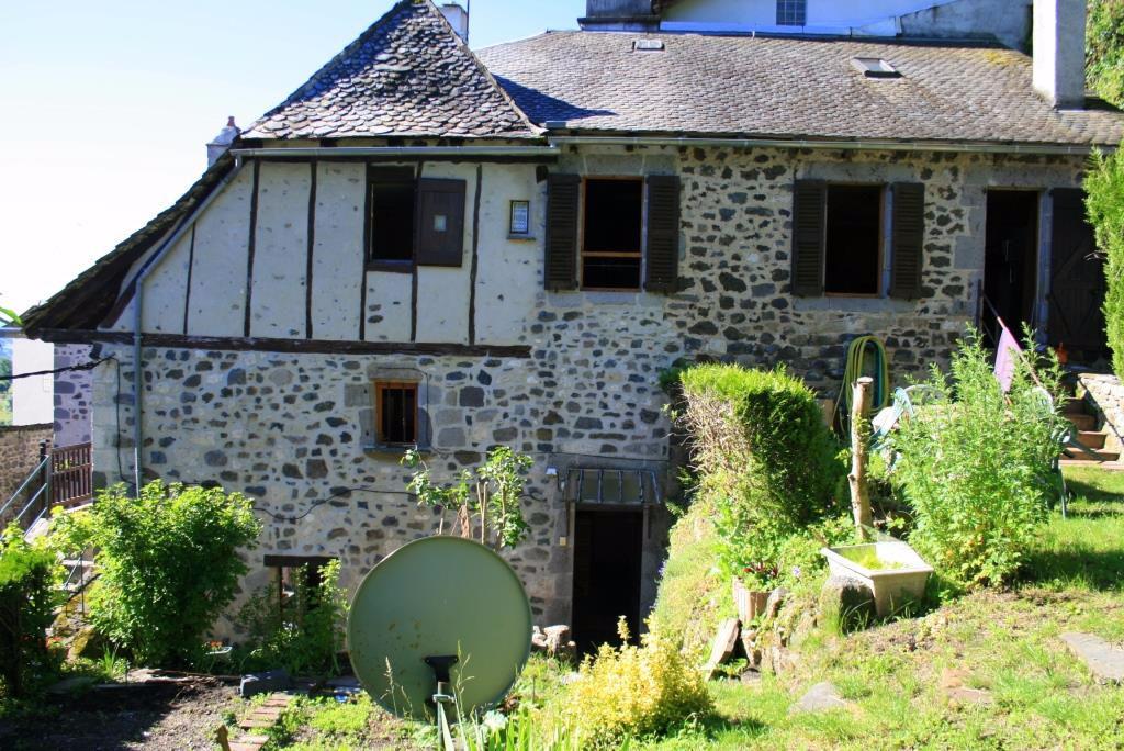 Exclu: maison coeur de village Mur de Barrez