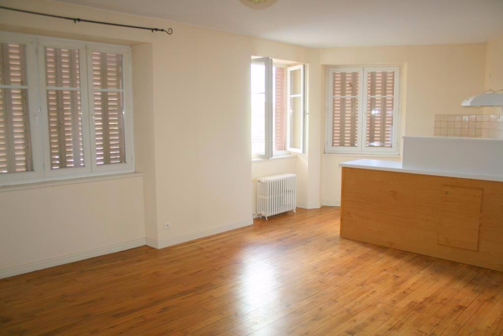 Appartement  2 pièce(s) 48 m2 bourg Mur de Barrez