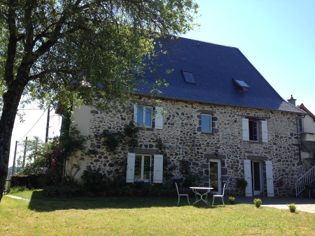 Exclu: Maison  en pierre, commune Labrousse 15130