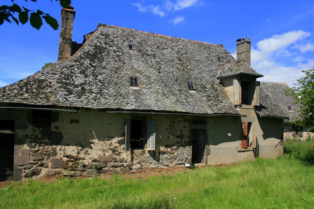 Exclu; Corps de ferme Lacan, 12600 Lacroix Barrez