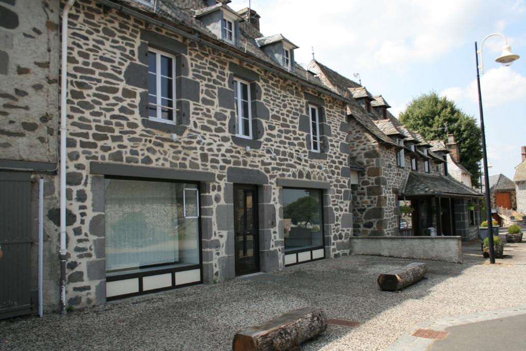 Maison en pierre, à moderniser, 12600 Thérondels, 164m²