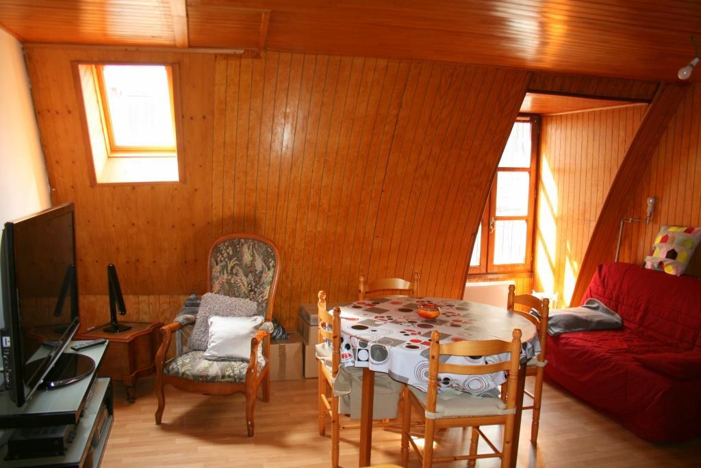 Appartement  4 pièce(s) 38 m2, Mur de Barrez