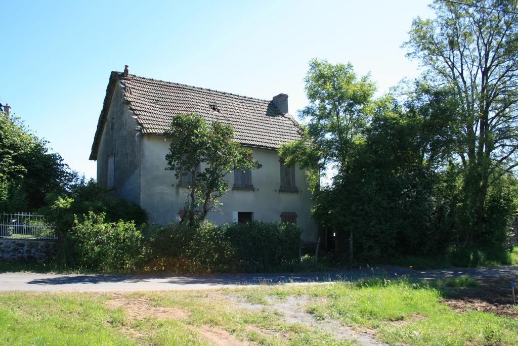 Maison d'environ 114m² à rénover, secteur Brommat