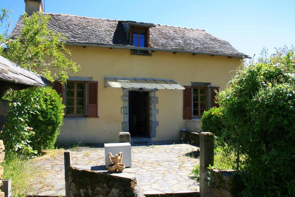 Exclu: Maison en pierre, vue dominante,  12140 Saint Hippolyte