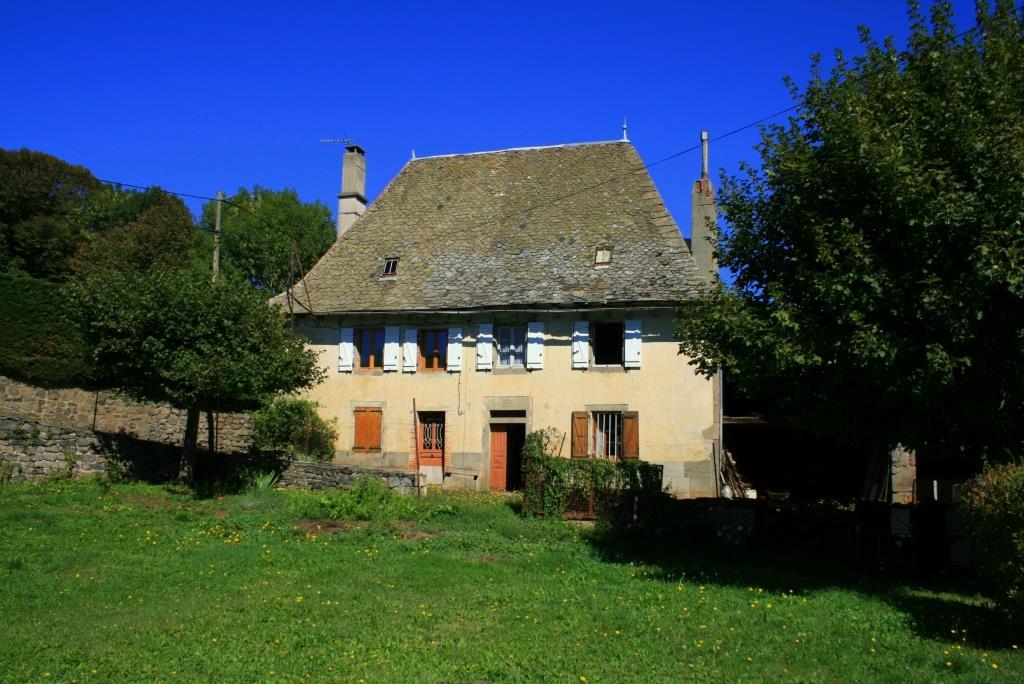 Maison à rénover, 116m², à 5 minutes de 12600 Thérondels
