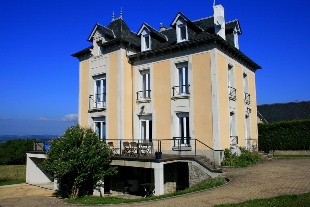 Belle maison à proximité du centre de Mur de Barrez
