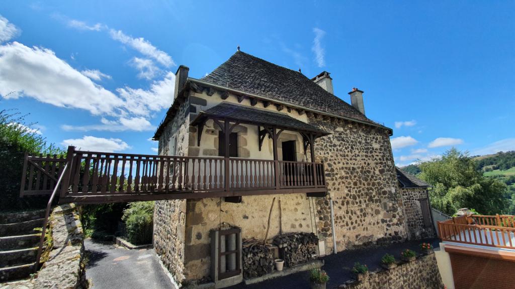 Coup de coeur pour cette maison en pierre, 15 minutes de Mur de Barrez