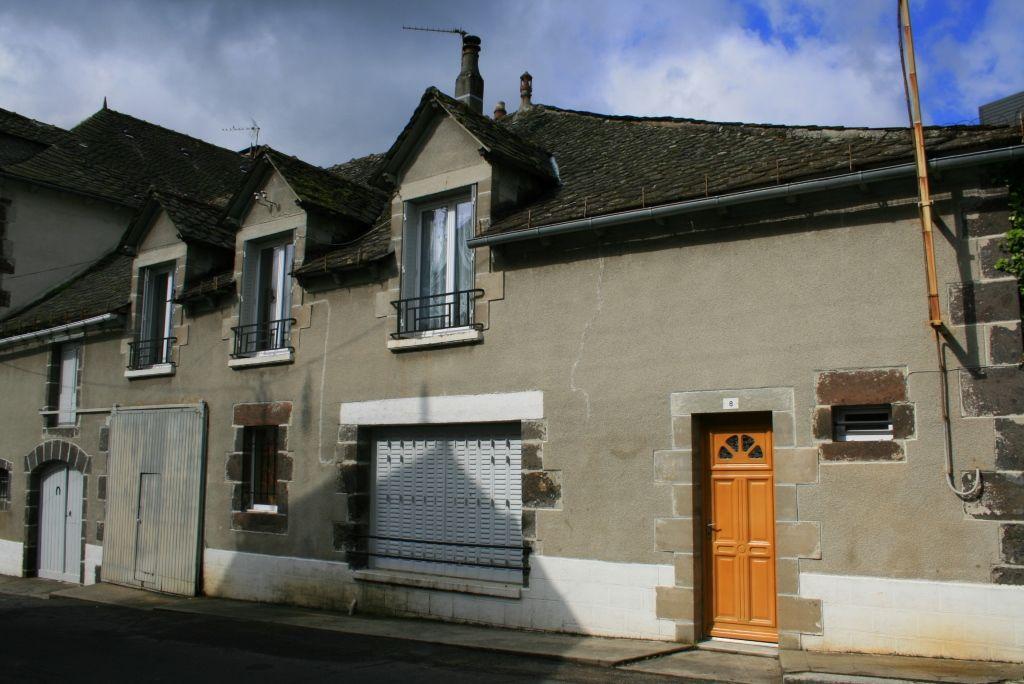 Exclu: Maison 8 Av de Brommat, 12600 Mur de Barrez, 75m²
