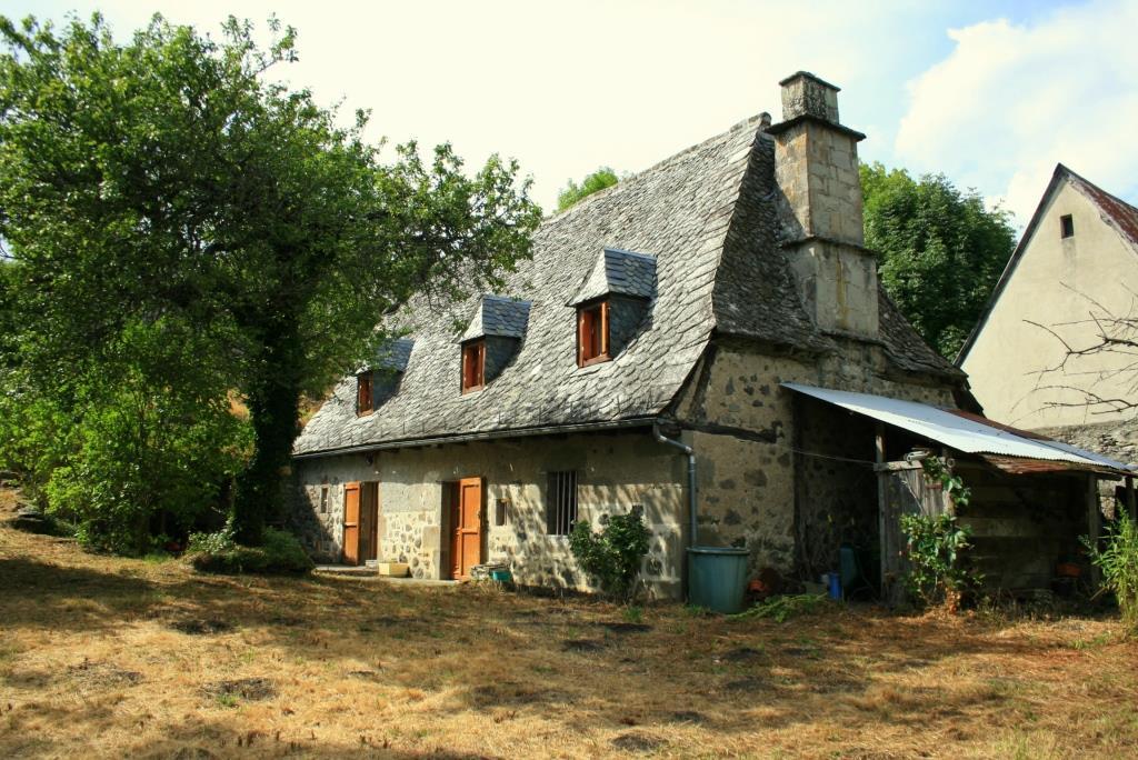 Exclu: Maison en pierre, Brommes, 12600 Mur de Barrez