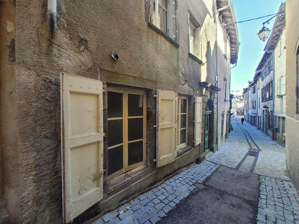 Exclu; Maison à rénover 40 Grand' Rue Mur de Barrez