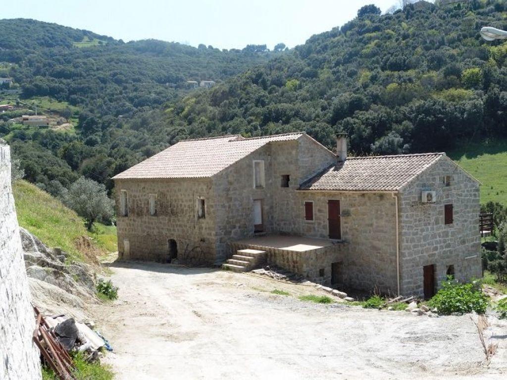 Maison Sartene 5 pièce(s) 200 m2
