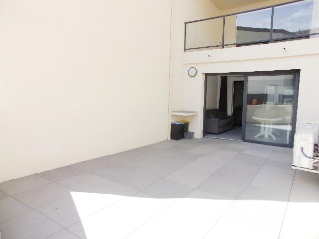 PROPRIANO T2 traversant 57+27m² avec parking ss-sol
