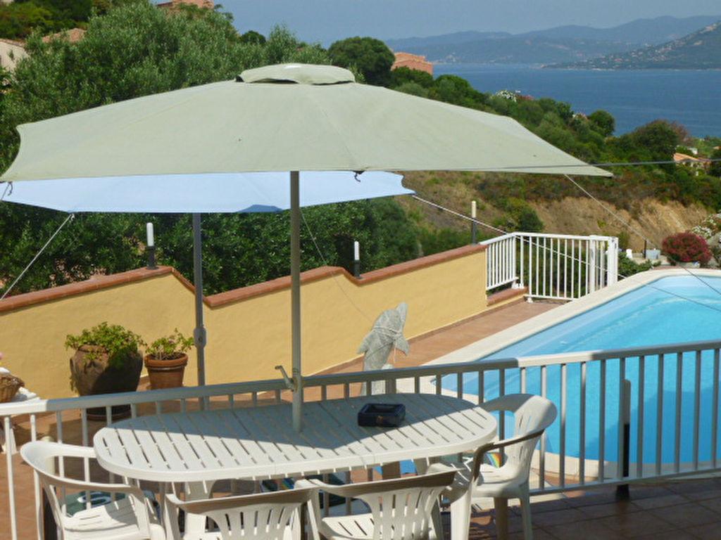 Villa de 190m² avec piscine .