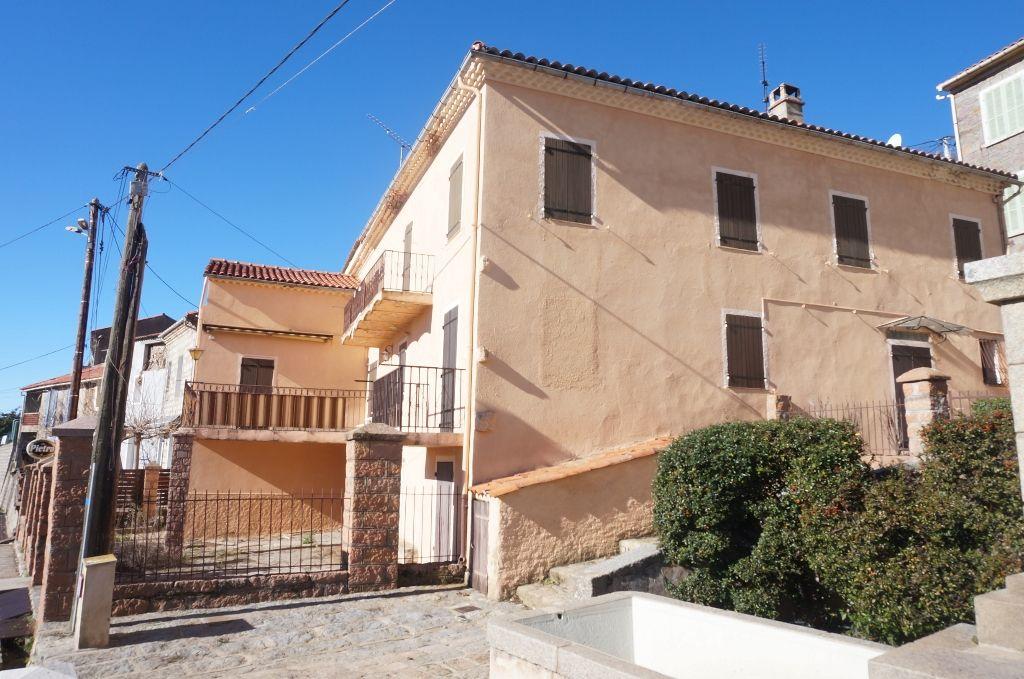 Maison Evisa 12 pièce(s) 300 m2