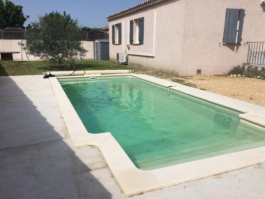 Jolie villa avec piscine dans un petit lotissement
