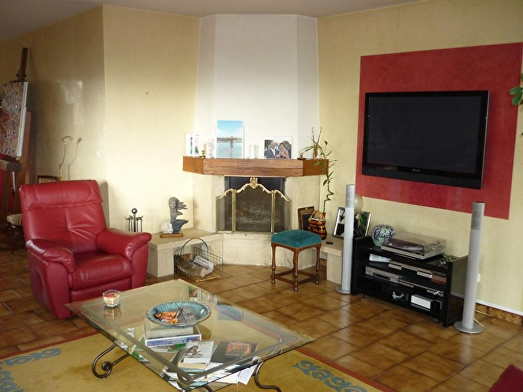 Sayat villa 4 chambres et 744m2 de terrain