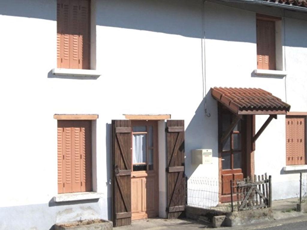 Noirétable 5mn maison avec grange et 1300m² de terrain